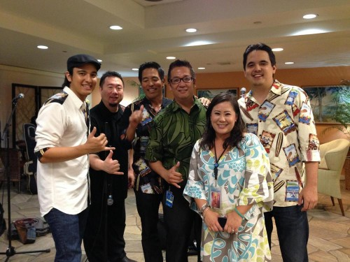 On Friday, December 7th, we performed for the Premiere Club members at the Hawaiian Air terminal.