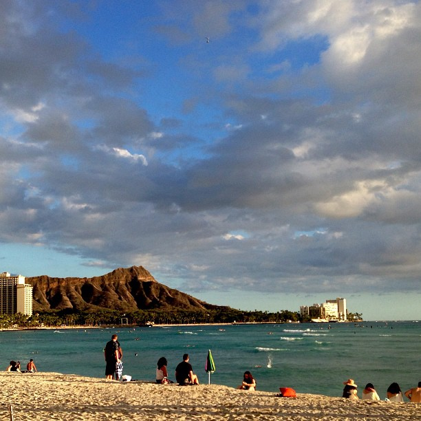 How's the weather where you are?  Here in #Waikiki, it's 75 & beautiful!  #LuckyILiveHawaii via Instagram