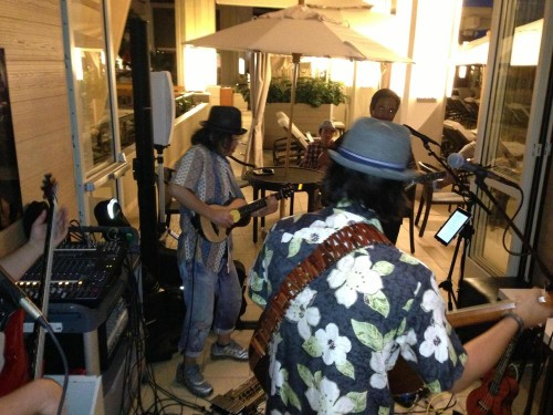 One of Japan's top guitar players, Hirokazu Ogura, came down to the Hyatt SWIM bar and jammed with ManoaDNA!