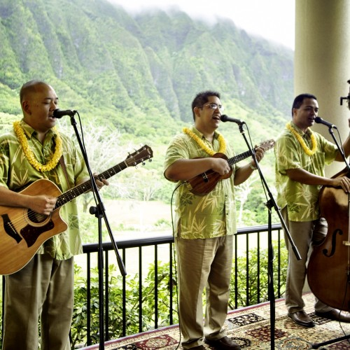 Nick's side project, HI*Sessions, recently featured Holunape on the beatiful Ko'olau set!